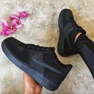 NWT🔥 Nike Air Force 1 LV8 Black Suede 6.5Y/8W
